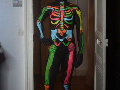 maquillage artistique bodypainting néon à domicile - halloween - dias de los muertos