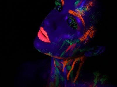 Shooting maquillage professionnel artistique phosphorescent 4 neon - à domicile