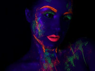 Shooting maquillage professionnel artistique phosphorescent 1 - à domicile
